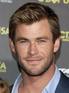 just one hell-of-a-good-looking man is Chris Hemsworth Chris Hemsworth Thor, Liam Hamsworth, Snowwhite And The Huntsman, Hemsworth Brothers, Man Thing Marvel, Marvel Man, Actrices Hollywood, Cute Actors, Marvel Actors