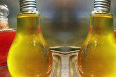 Λιμοντσέλο (limoncello) από την Αργυρώ Μπαρμπαρίγου | Φτιάξτε μόνοι σας το πιο δροσερό σπιτικό λικέρ με ελάχιστα υλικά και σερβίρετέ το μετά από γεύμα.