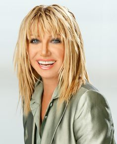 Suzanne Somers one of our favorite threes company gals has ADHD Medium Shag Haircuts, Edgy Haircuts, Suzanne Somers, Color Cafe Cabello, Coffee Hair Dye, Medium Hair Styles For Women, White Blonde Hair, New Hair Do, Beautiful Haircuts
