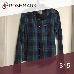 Hollister Shirt in excellent condition Hollister shirt in excellent condition Hollister Shirts Casual Button Down Shirts