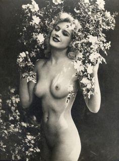nude vintage