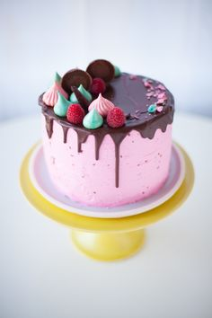 meringue topped rpeanut butter and chocolate raspberry jam cake - recipe by Coco Cake Land