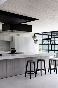 5 Energetic Cool Tips: Industrial Interior Small Spaces industrial style office.Industrial Design Home industrial store open closets. Industrial Chic Kitchen, Industrial House, Industrial Interiors, Industrial Table, Industrial Lighting, Industrial Furniture, Industrial Apartment, Industrial Design, Black Interiors