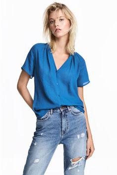 V-neck blouse - Blue - Ladies   H&M CA 1