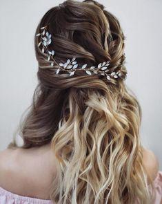 Bridal Hair Vine, Hair Comb Wedding, Wedding Hair Pieces, Romantic Wedding Hair, Opal Hair, Wedding Hair Accessories, Hair Looks, Hair Designs, Dyed Hair