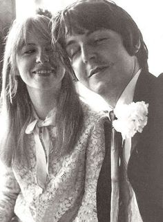 Paul McCartney and Jane Asher so inlove. I have this fascination late about their romance. My fave The Beatles couple.