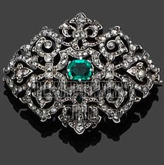 Antique Finished 6.79cts Rose Cut Diamond Emerald Studded Silver Brooch Jewelry #DiamondJeweleryWorld #FiligreeDiamondGemstoneBroochPin