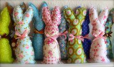 """Un petit lapin parfumé pour Pâques!!!! Pour neutraliser les odeurs et redonner aux vêtements une bonne odeur de frais? Rien de plus simple que """"le petit lapin parfumé"""", fraîcheur armoire."""