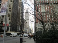 5th Ave & Madison Square Park, NYC. Nueva York by voces, via Flickr