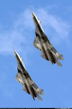 Russian Air Force Sukhoi T-50 aircraft in formation flight near Moscow, August 2013. (Photo: Konstantin Tyurpeko)