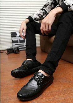 Zapatos para caballeros, de 11.90 euros http://item.taobao.com/item.htm?spm=a2106.m896.1000384.18.0DV7Jz&id=35856319340&_u=h10l44d69e54&scm=1029.newlist-0.bts1.50016853&ppath=&sku=&ug= si queria comprar, pegar el link en www.newbuybay.com para hacer pedidos