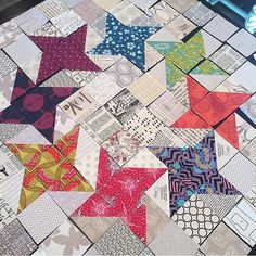 I like the way these stars touch each other.  I think they need to be laid out piece by piece instead of block by block.  There is no block.... unless this is one big block!  Regardless, I love it!