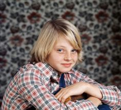 nothing about Jodie Foster, i just want the shirt. and possibly the wallpaper.