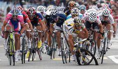 Cavendish Fail - where has his wheel gone?