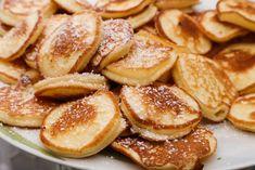 Dutch poffertjes, the mini pancakes-holländische Poffertjes, die Mini-Pfannkuchen Dutch poffertjes, the mini pancakes - Pizza Recipes, Gourmet Recipes, Cake Recipes, Dessert Recipes, Mini Desserts, Easy Desserts, Elegant Desserts, Mini Pancakes, Dutch Pancakes