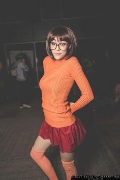 Velma (Scooby Doo) #cosplay at SacAnime Winter 2017, Photo by DTJAAAAM