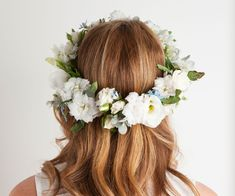 Floral Fridays: how to make a floral crown - Homes To Love