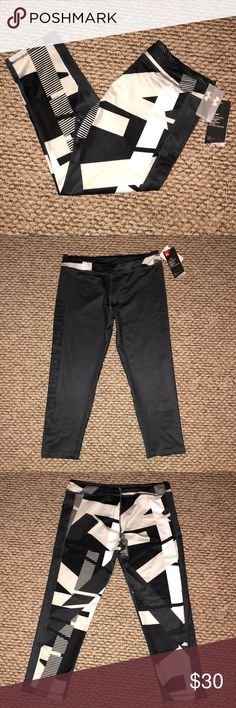 🆕 under armour workout pants size XL girls New with tags  Under armour workout pants   size XL girls  Measurements and details in pictures. C58 Under Armour Pants Track Pants & Joggers