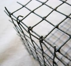 Super easy diy Chicken wire box tutorial