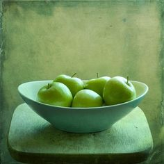 green apples in bowl