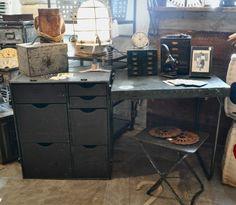 Vintage Military Field Desk Industrial Furniture, New Furniture, Military Bedroom, Campaign Furniture, Factory Design, Vintage Room, Kid Spaces, Boy Room, Home Accessories