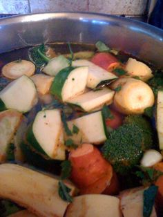Detox Soups, Whole Food Recipes, Cooking Recipes, Healthy Soups, Diet Detox, Martha's Vineyard, Witches Brew, Organic Vegetables, Chilis