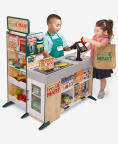 Let your little shopper's imagination run wild through the aisles of the Fresh Mart Grocery Store from Melissa & Doug. The wooden play space comes with stocked shelves and a cash register with a working conveyor belt and card machine. Kids Grocery Store, Pizzeria, Melissa & Doug, Play Food, Kitchen Sets, Toy Kitchen, Dramatic Play, Pretend Play, Role Play