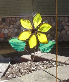 Golden Blossom Stained Glass Suncatcher by dortdesigns on Etsy Stained Glass Ornaments, Stained Glass Flowers, Stained Glass Suncatchers, Stained Glass Crafts, Stained Glass Designs, Stained Glass Panels, Stained Glass Patterns, Mosaic Glass, Fused Glass