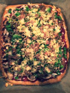 Koolhydraatarme recepten: Pizza Clean Recipes, Pork Recipes, Low Carb Recipes, Cooking Recipes, Healthy Recipes, Dutch Recipes, Healthy Pizza, Low Carb Pizza, Low Carb Diet
