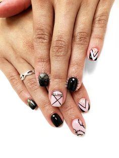 Black nails. Random designs. But it goes well together. #PreciousPhan