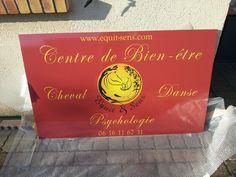 Equit&Sens est un Centre de bien-être par le cheval et par la danse en Normandie ! Panneau réalisé par Com'Park Outdoor.