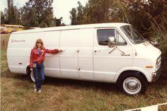 Vehicle 73 - 1975 Dodge Maxi-Van at Atlanta 10-15-82.