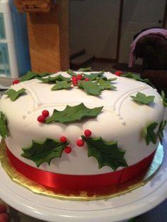 Holly and Ivy Christmas Cake - Cake by Tonya Christmas Deserts, Christmas Cupcakes, Noel Christmas, Christmas Goodies, Tacky Christmas, Christmas Cake Designs, Christmas Cake Decorations, Holiday Cakes, Xmas Cakes