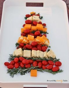 nice idea serving snacks in the shape of a Christmas tree holiday, idea, chees platter, food, christma tree, recip, tree chees, cheese platters, christmas trees
