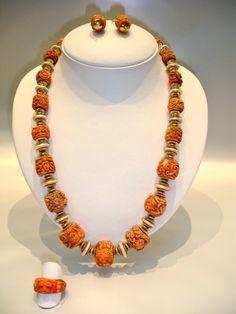 Collana con incisioni di corallo antichi ,perle ed oro #coral carved#pearl#gold