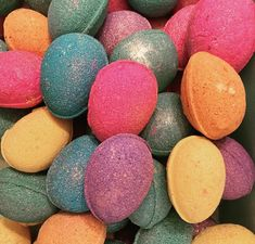 Easter egg bath bombs 6 colours 6 fragrances in cute coloured egg cartons. handmade fizzy bombs Egg Cartons, Purple Rain, Easter Gift, Bath Bombs, Fragrances, Different Colors, Easter Eggs, Raspberry, Tropical
