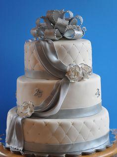 25th anniversary cake by yourfantasycakes