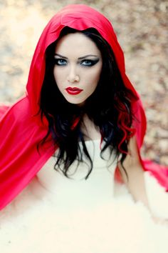 red riding hood makeup my costume for next year! Little Red Riding Hood Halloween, Little Red Ridding Hood, Red Riding Hood Makeup, Red Riding Hood Costume, Halloween Outfits, Halloween Make Up, Halloween Costumes, Halloween Party, Halloween Havoc