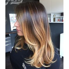 Haircut and color melt for @oksteph !!! I'm so in love with the beautiful warm blonde we were able to get while keeping the hair super healthy and shiny!  #audratonghair #salonkingston #salonrepublic #wella #wellarelights #blondor #haircolor #haircut #shinyhair #balayage #ombre #colormelt