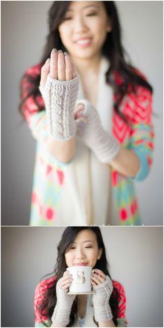 Cabled Wrist Warmers - Warmers - Ideas of Warmers Crochet Fingerless Gloves Free Pattern, Fingerless Gloves Knitted, Crochet Mittens, Free Crochet, Crochet Cable Stitch, Crochet Wrist Warmers, Crochet Clothes, Crochet Flowers, Eye Makeup