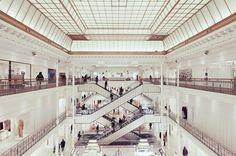 Illusion: Photographer Franck Bohbot is passionate about beautiful architecture and urban landscape.     (Photo © Bohbot)    http://illusion.scene360.com/art/27679/zigzag-esclators/