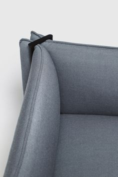 Close-up on the interplay of fabric and metal tubing on the Pinch seating system by Skrivo Design for Italian furniture brand La Cividina. Sofa Furniture, Shabby Chic Furniture, Modern Furniture, Furniture Design, Steel Furniture, Furniture Outlet, Discount Furniture, Office Furniture, Sofa Design