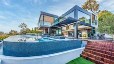 Inside an $18M Los Angeles Home With a Private NFT Art Gallery – Robb Report Los Angeles Museum, Infinity Edge Pool, Sunset Strip, Los Angeles Homes, New Builds, Nice View, House Tours, Real Estate, Mansions