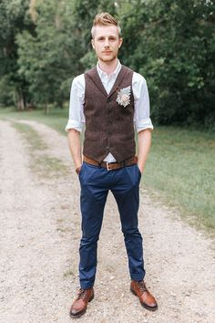 Wedding Suits groom attire rustic blue pants t shirt brown waistcoat bowtie mallory sparkles - If you are planning a themed wedding, pay attention to groom attire! His suit should represent the style and features of your celebration Groomsmen Vest, Groom Vest, Brown Groomsmen, Groom Suits, Men's Suits, Groom Attire Rustic, Casual Groom Attire, Casual Grooms, Vintage Groomsmen Attire