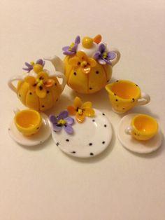 MaryEngelbreit ~ inspired tea set / Miniaturas Brasileiras - Brazilian Miniature IVANI GRANDE