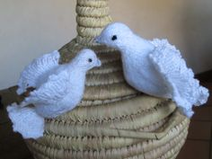 Les tourterelles de bonheur, en laine pour décoration de mariage. : Accessoires de maison par labelette13400
