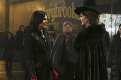 Once Upon a Time Sneak Peek: Storybrooke Mourns a Loved One, Zelena Attacks [Spoiler]