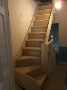 Single turned staircase