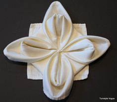 How To Make A Snowflake, Flower Or Star Napkin Fold By Turnstyle Vogue (16)