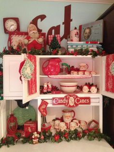 Christmas Hoosier Love @Andrea Rose  and @Angie Frankie  An old fashioned Christmas-made me think of you two!